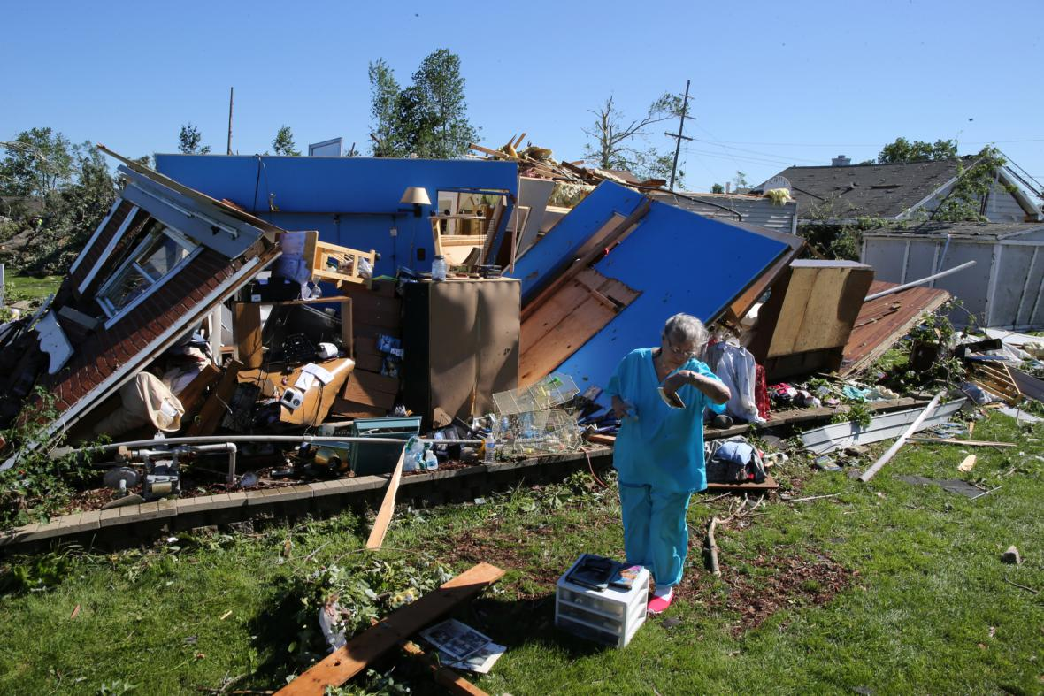Noční tornádo zdemolovalo domy v Coal City (Illinois)