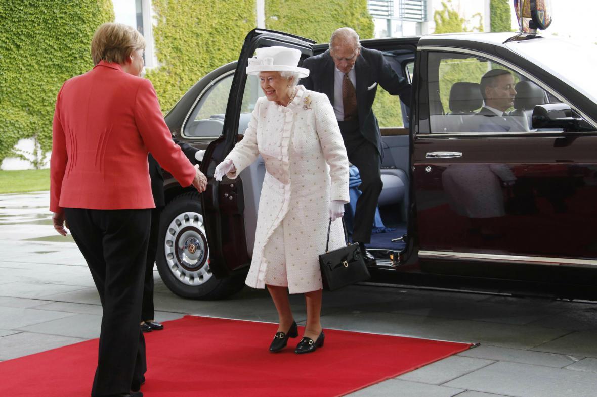 Britská panovnice a německá kancléřka
