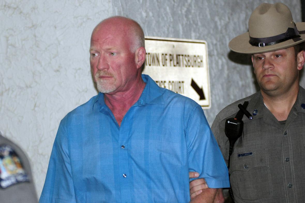 Zatčený dozorce Gene Palmer