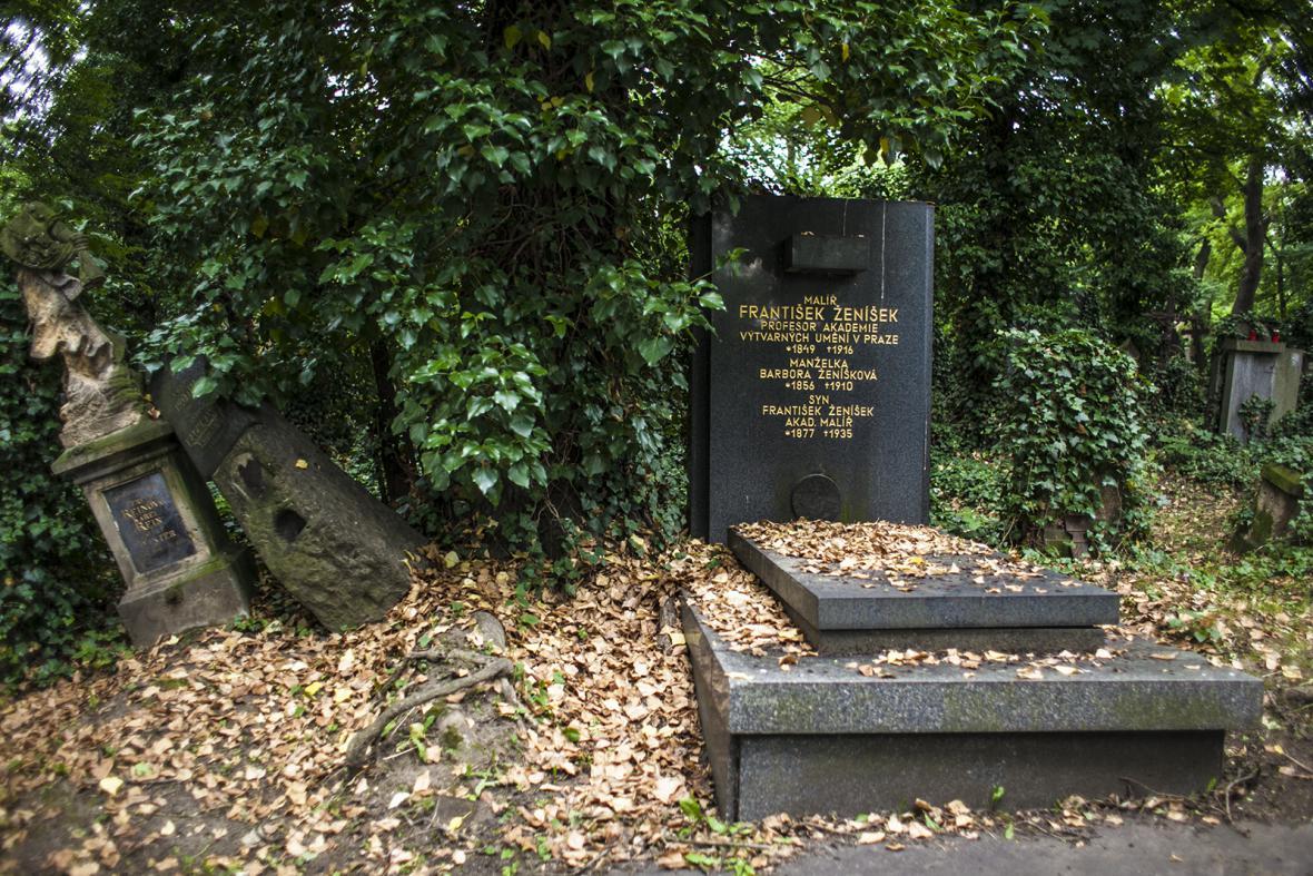 Zmrtvýchvstání hrobů na Olšanech