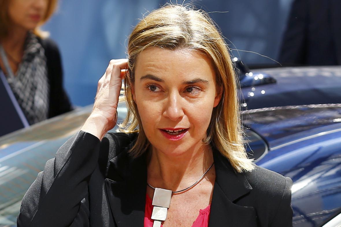 Šéfka evropské diplomacie Federica Mogheriniová přijíždí na summit EU