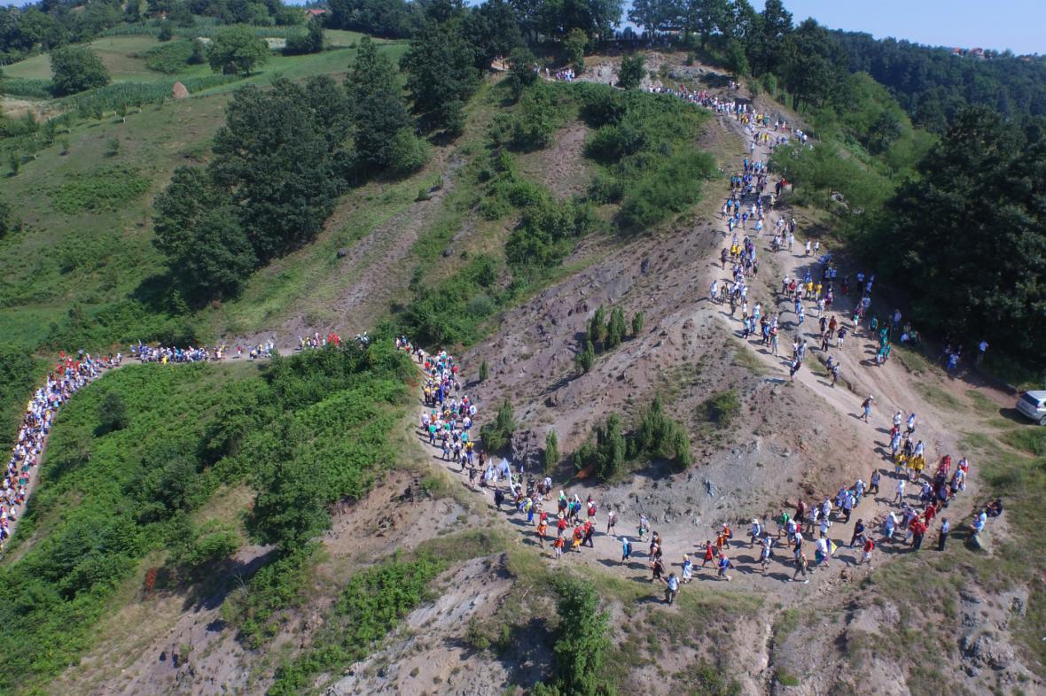 Pochod k uctění obětí ze Srebrenice