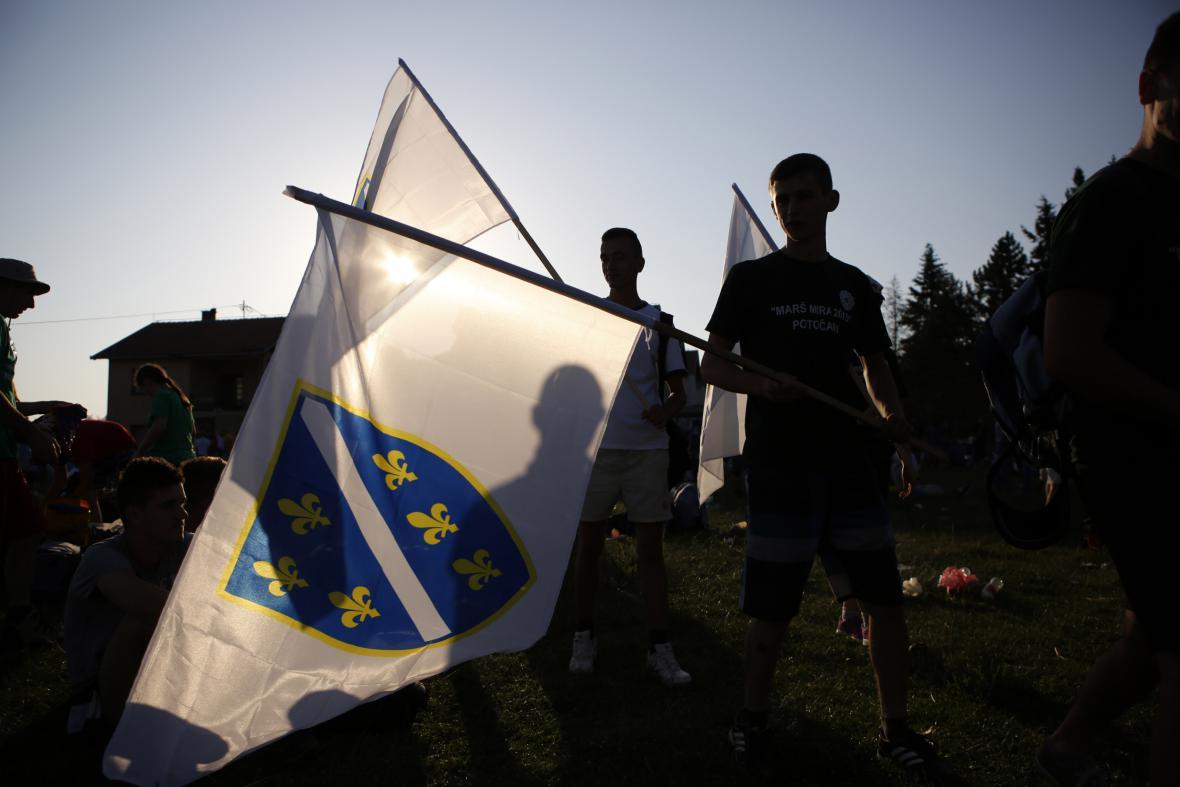 Pochod míru k uctění obětí ze Srebrenice