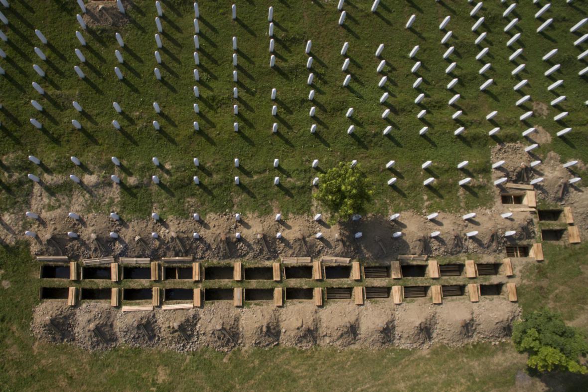 Památník v Potočari