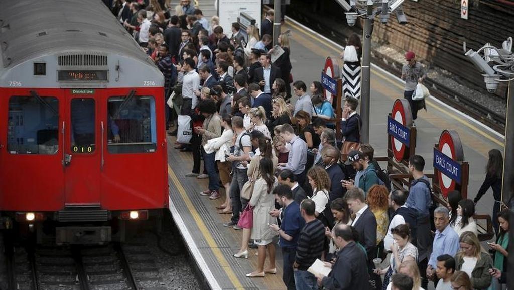 Zastavené metro způsobilo chaos v ulicích Londýna