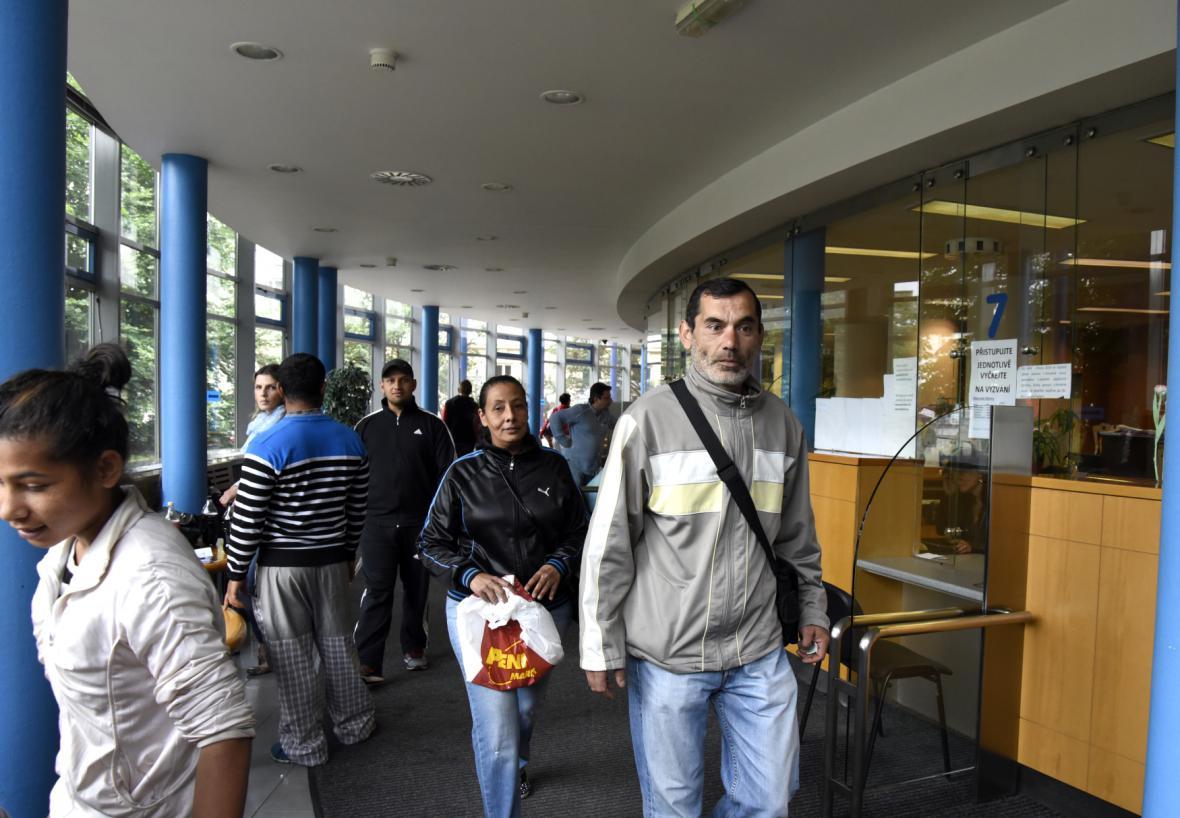 Žadatelé o doplatek na bydlení na Úřadu práce v Ostravě