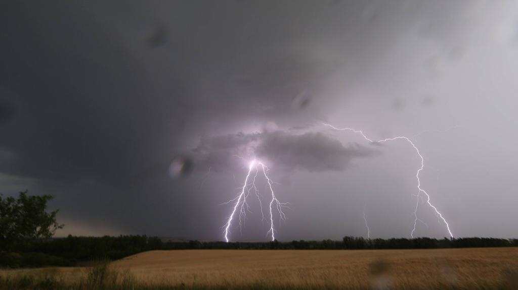 Bouře poblíž Erfurtu