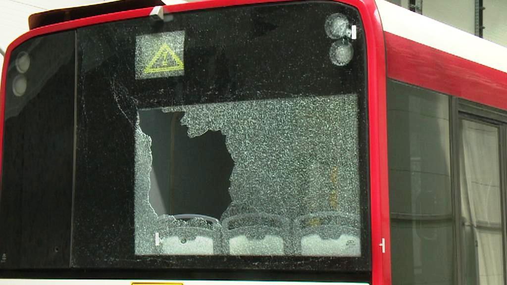 Na plzeňský autobus MHD někdo střílel