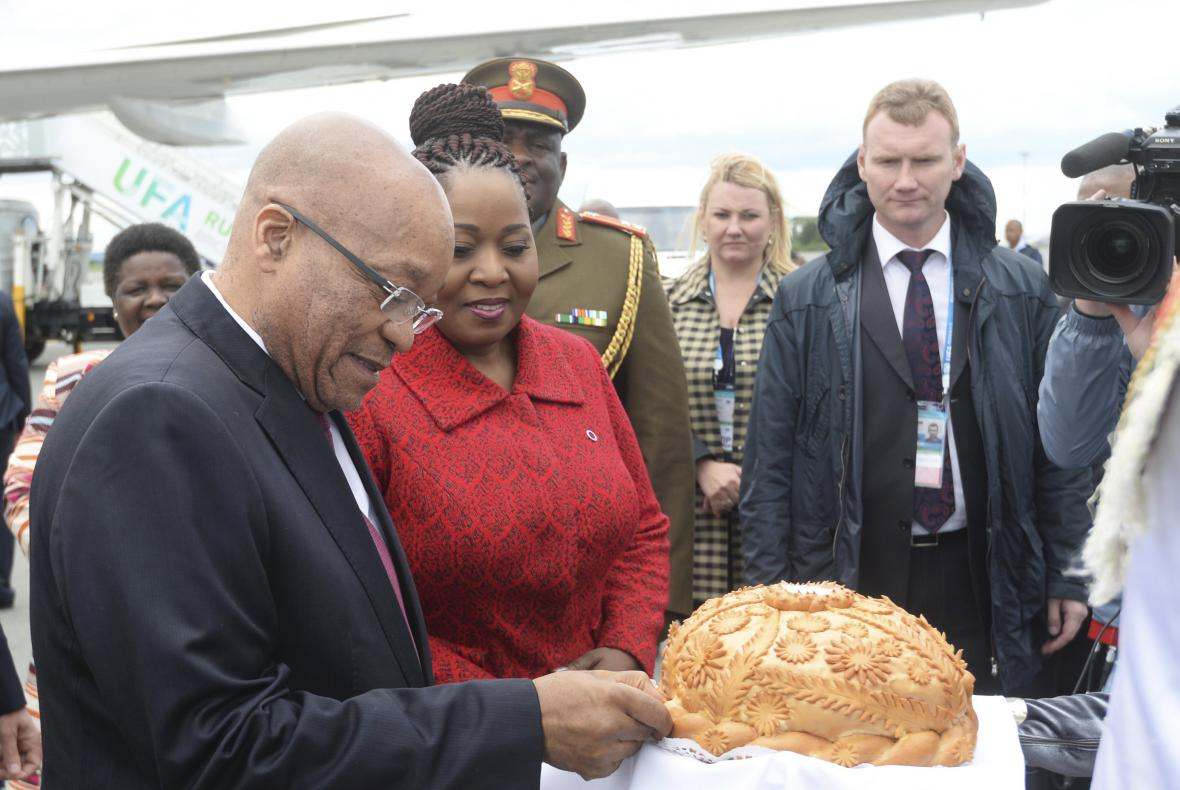 Prezident JAR Jacob Zuma při uvítacím ceremoniálu v Ufě
