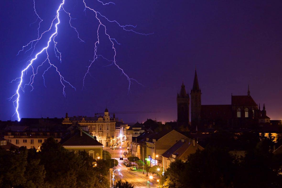 Noční bouřka nad Kolínem