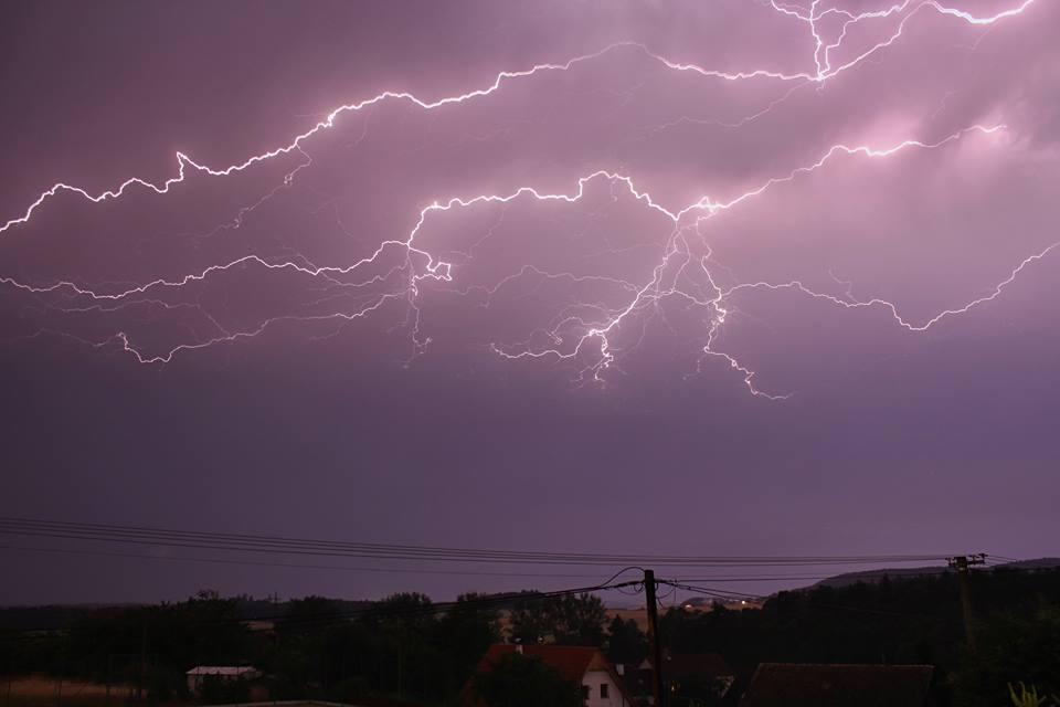 Noční bouřka na Strakonicku