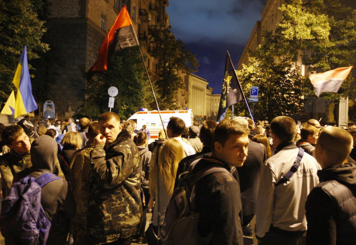Příznivci Pravého sektoru protestují v Kyjevě