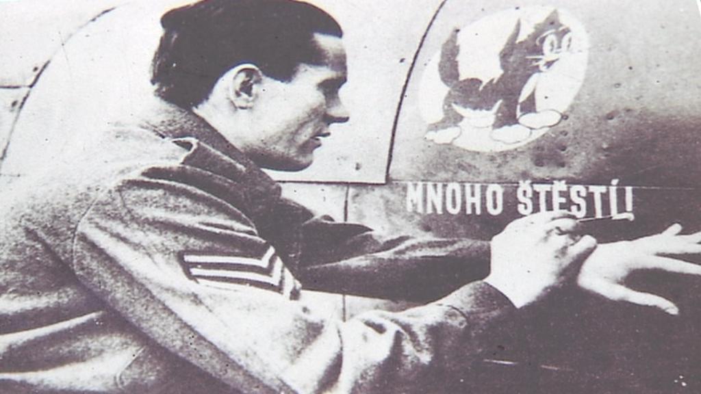 Letec RAF Karel Pavlík