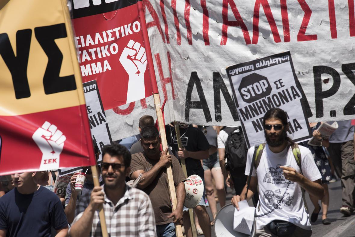 V Aténách se demostruje proti záchrannému balíčku
