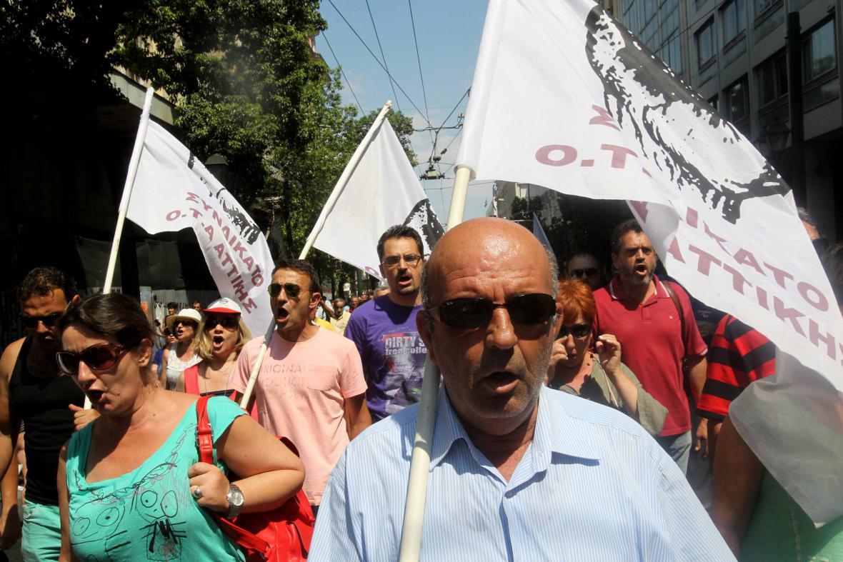 Znepokojení Řekové vyšli do ulic