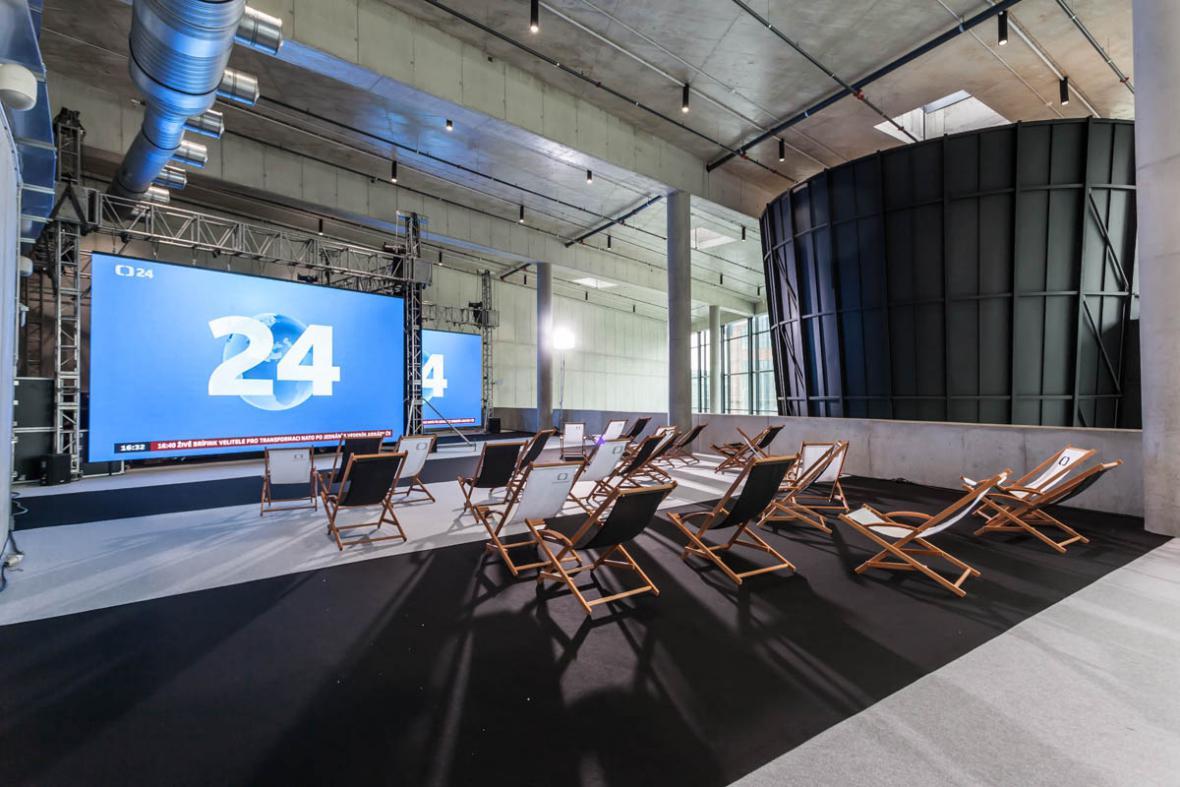 Průběžně vás budeme informovat živými vstupy na ČT24