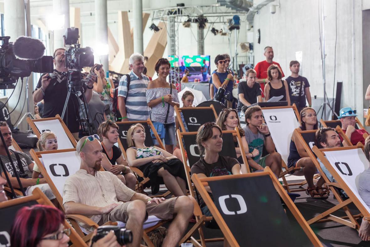 Hity televizní univerzity se líbí malým i velkým