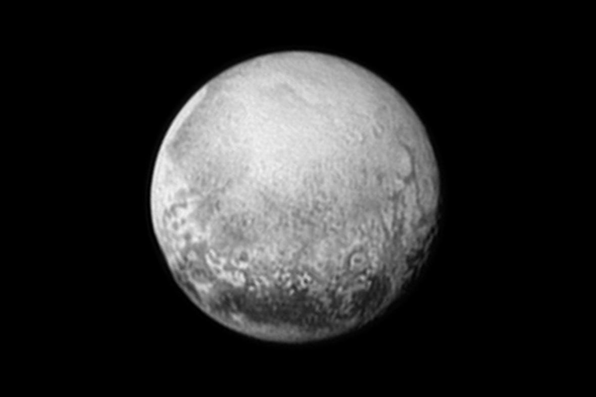 Snímek Pluta z 11. července 2015