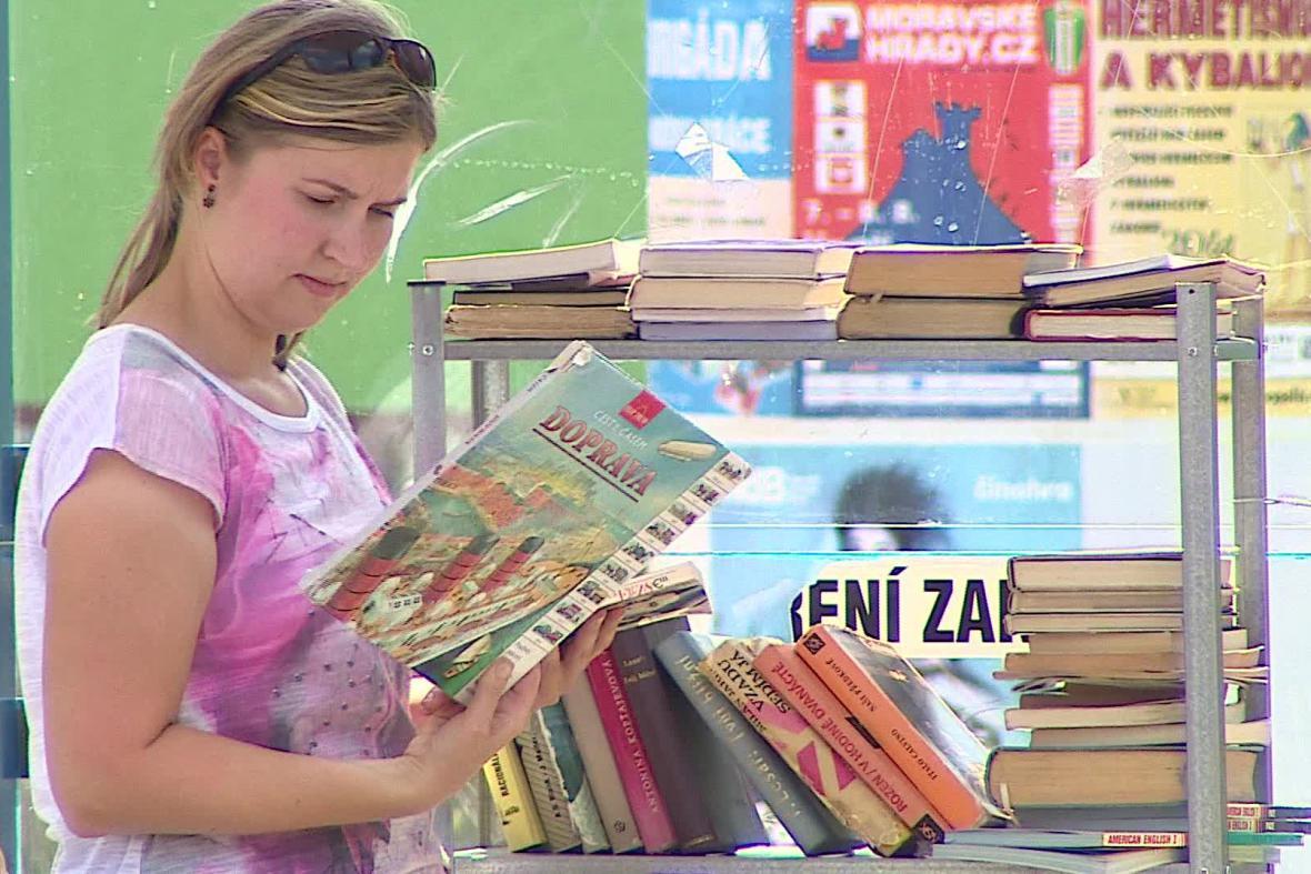 Knihovna na zastávce Optátova v Brně