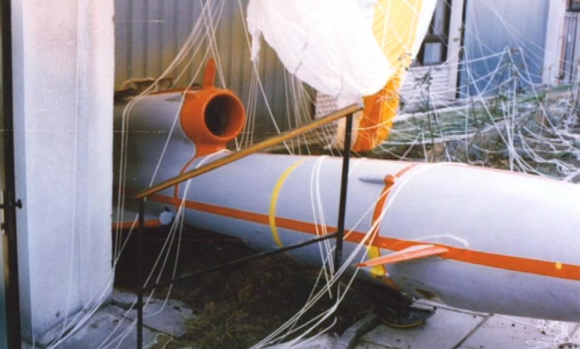 Spadlý sovětský bezpilotní letoun v roce 1988