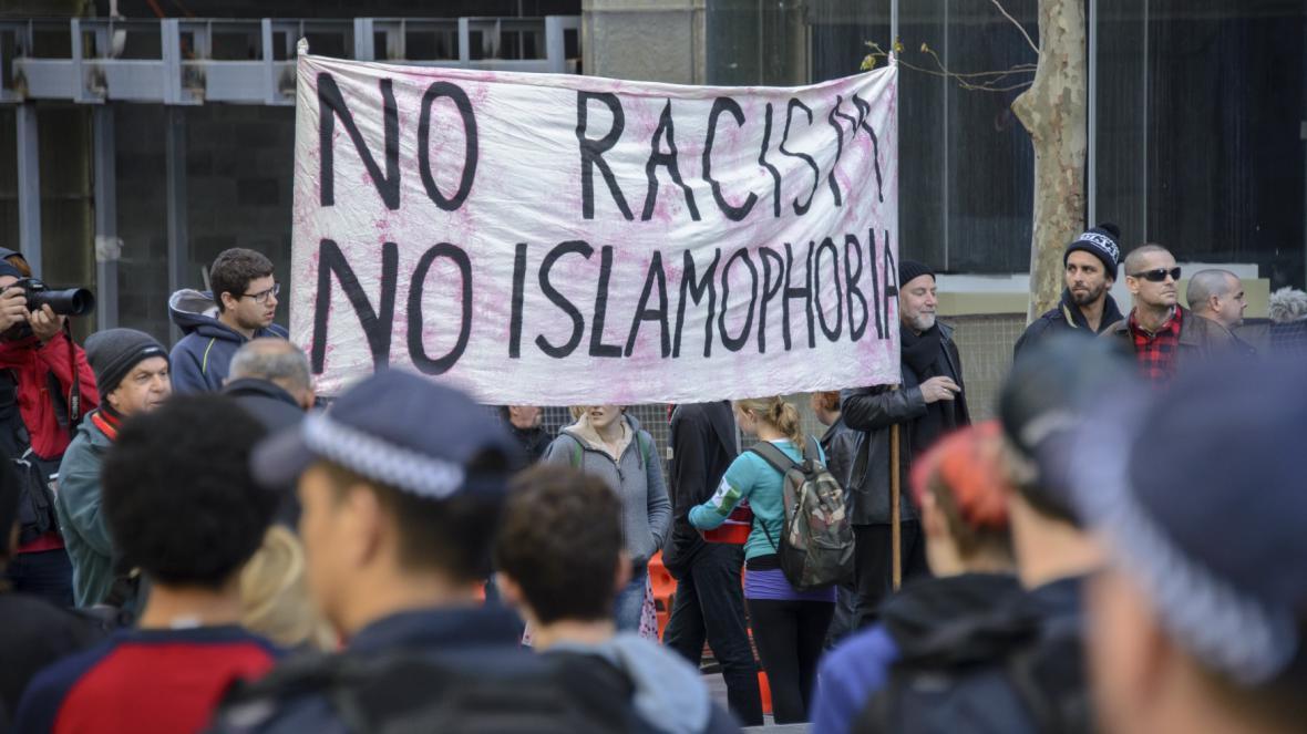 Podporu přistěhovalcům přišli v Austrálii vyjádřit stoupenci imigrace