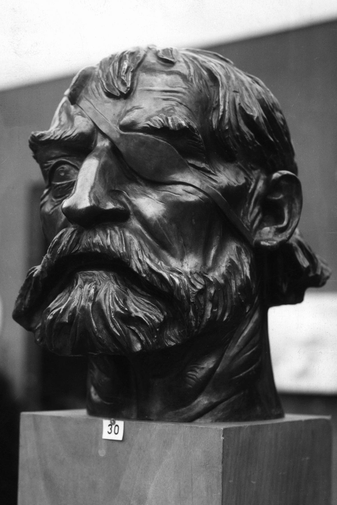Busta Jana Žižky od Karla Dvořáka