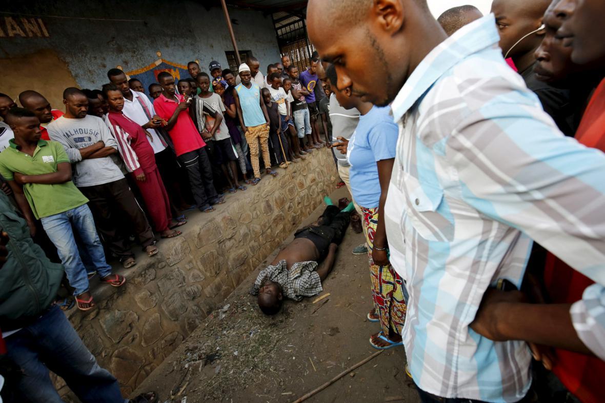 Prezidentské volby v Burundi provázejí násilnosti