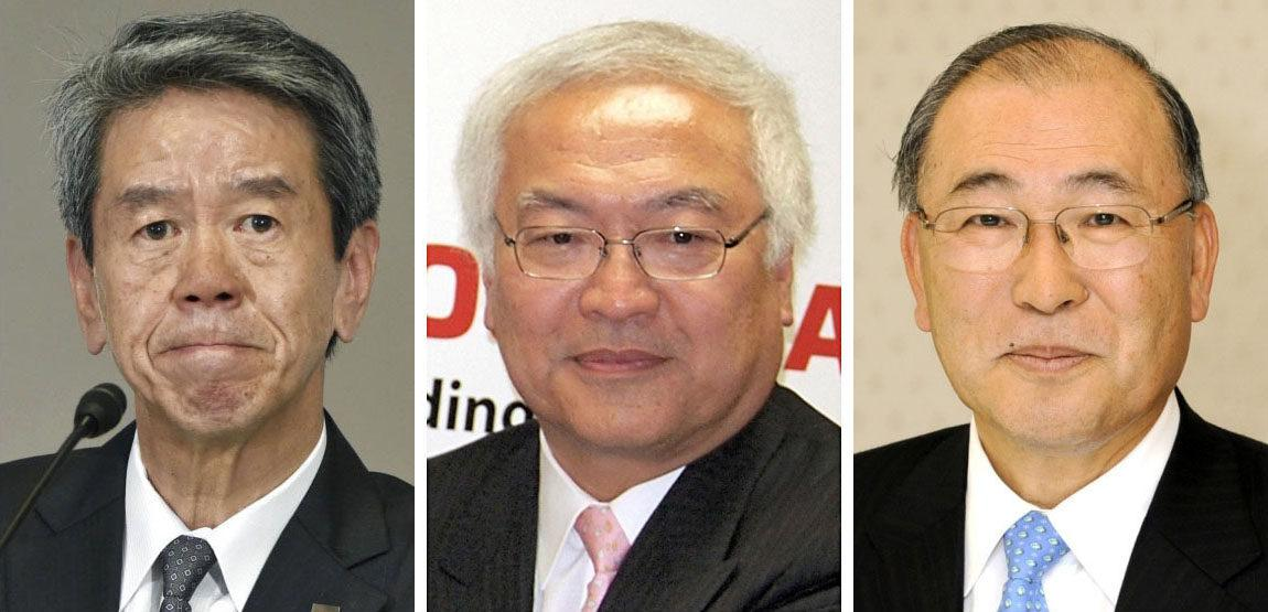 Vrcholní manažeři Toshiby Hisao Tanaka, Norio Sasaki a Acutoši Nišida