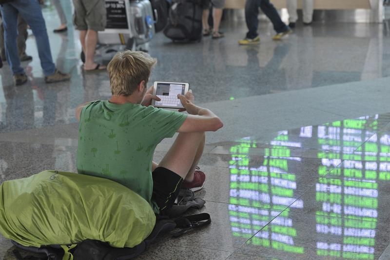 Mezinárodní letiště na Bali kvůli sopce už několikrát přerušilo provoz