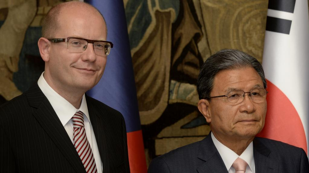 Premiér Sobotka a ředitel firmy Nexen Kang Pjung-čung