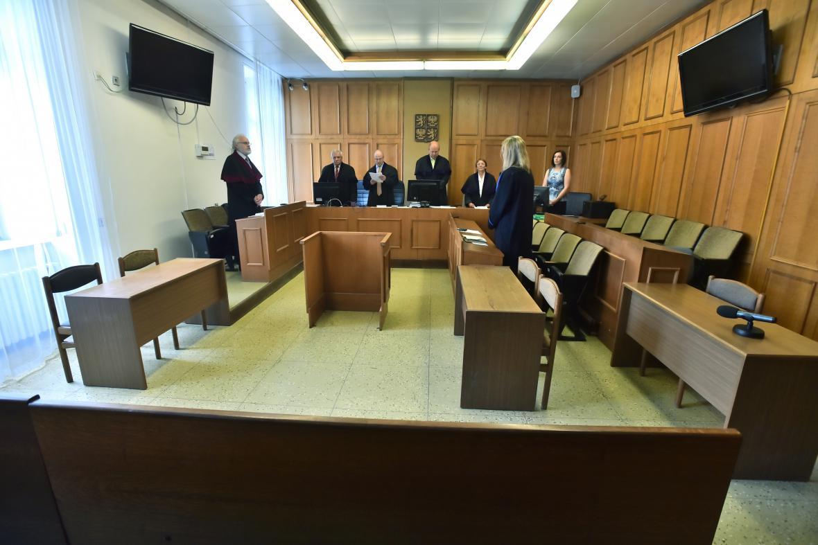 Soud uznal Davida Ratha vinným a vyměřil mu 8 a půl roku za mřížemi