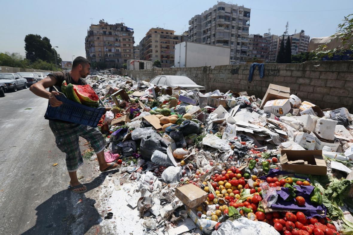 Odpadky v Bejrútu končí na ulici