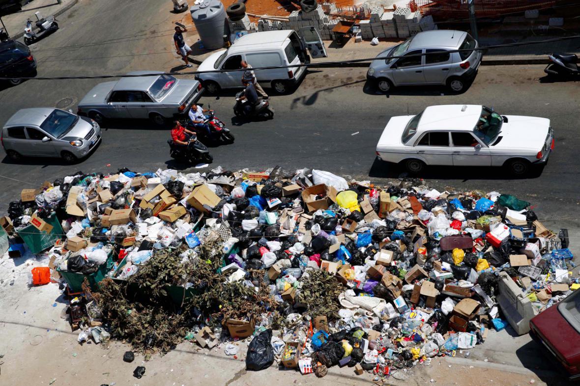 Odpadky v ulicích Bejrútu