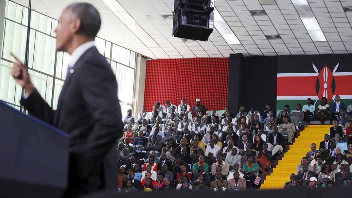 Barack Obama při projevu na stadionu v Nairobi