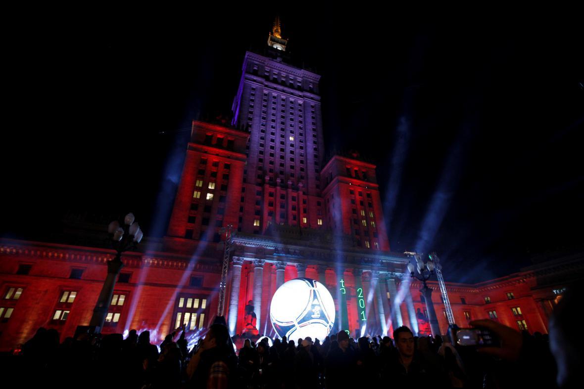 Nasvícený palác při příležitosti fotbalového Eura 2012