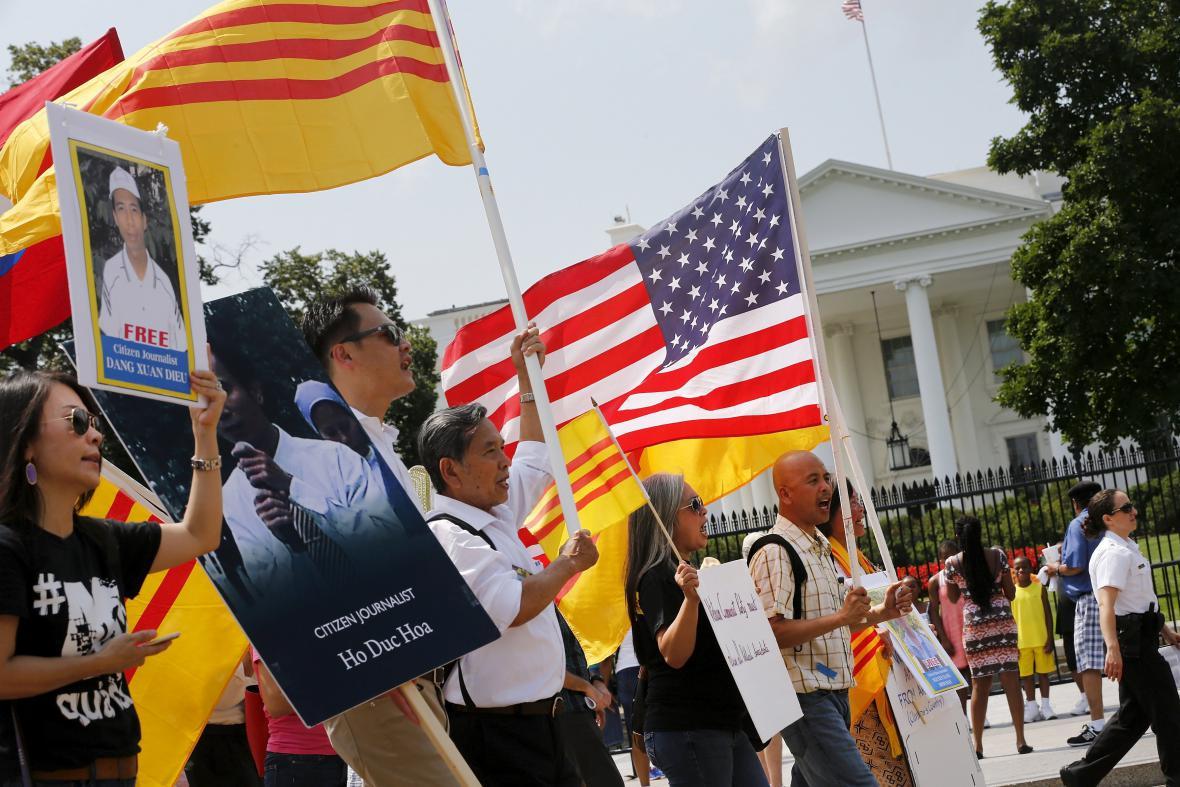 Demonstrace před Bílým domem