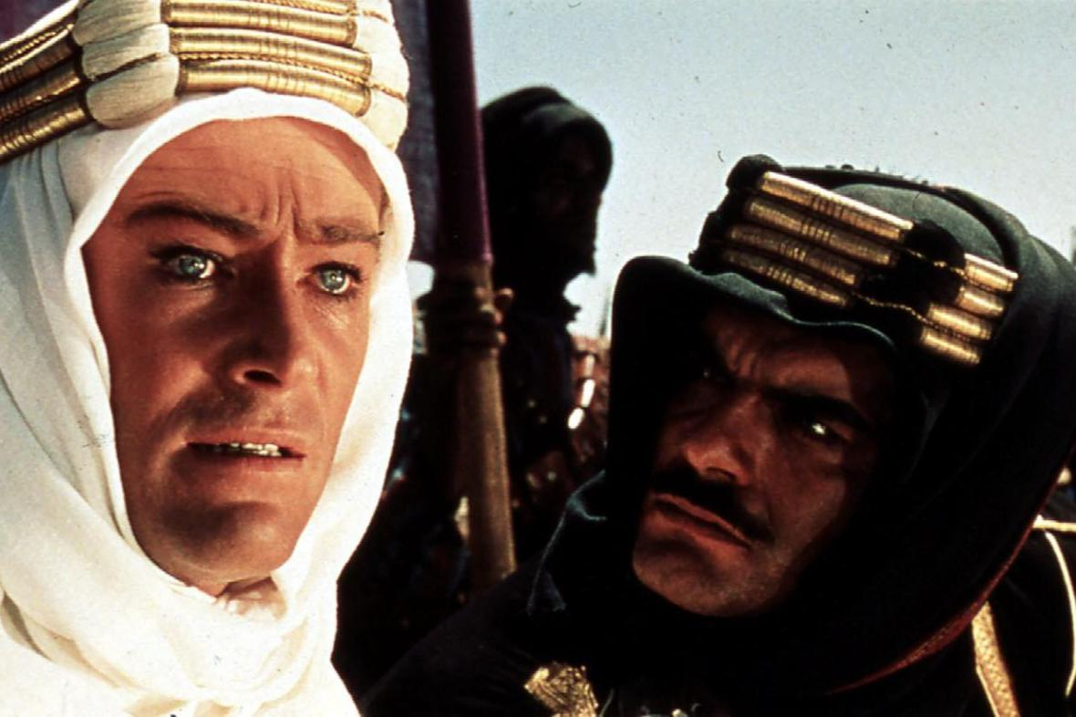 Peter O'Toole a Omar Sharif ve filmu Lawrence z Arábie