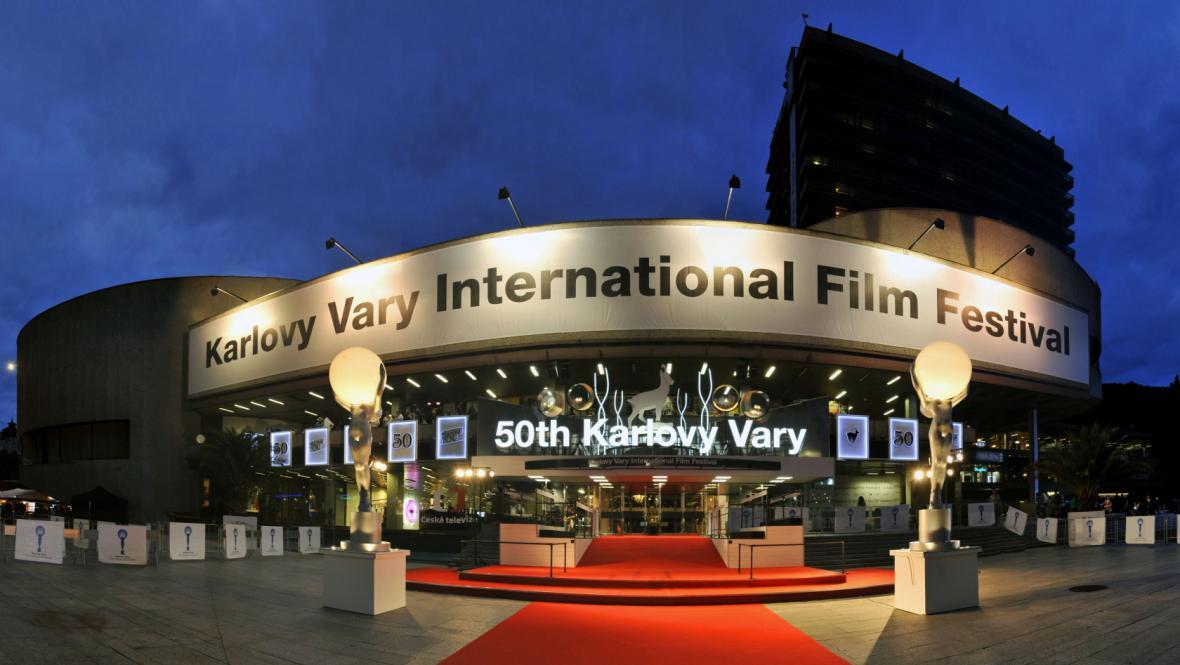 Thermal při pořádání 50. ročníku filmového festivalu