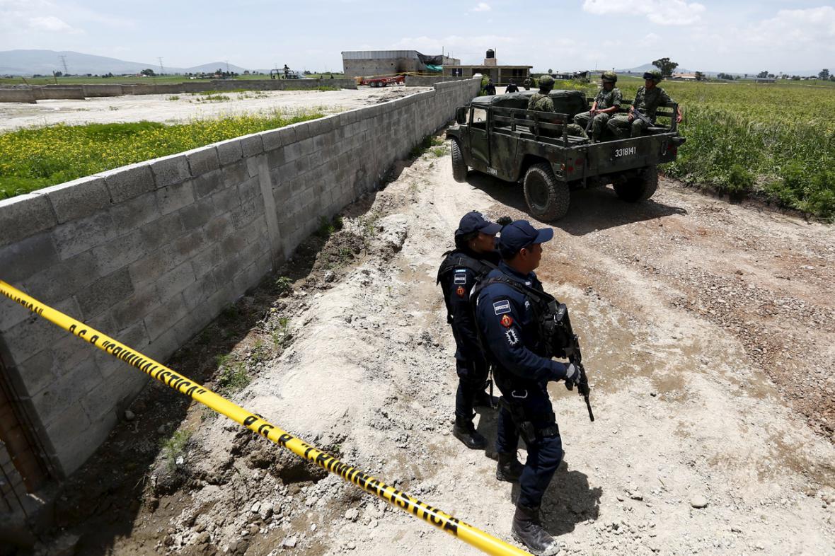 Mexická policie pátrá po uprchlém Joaquínu Guzmánovi