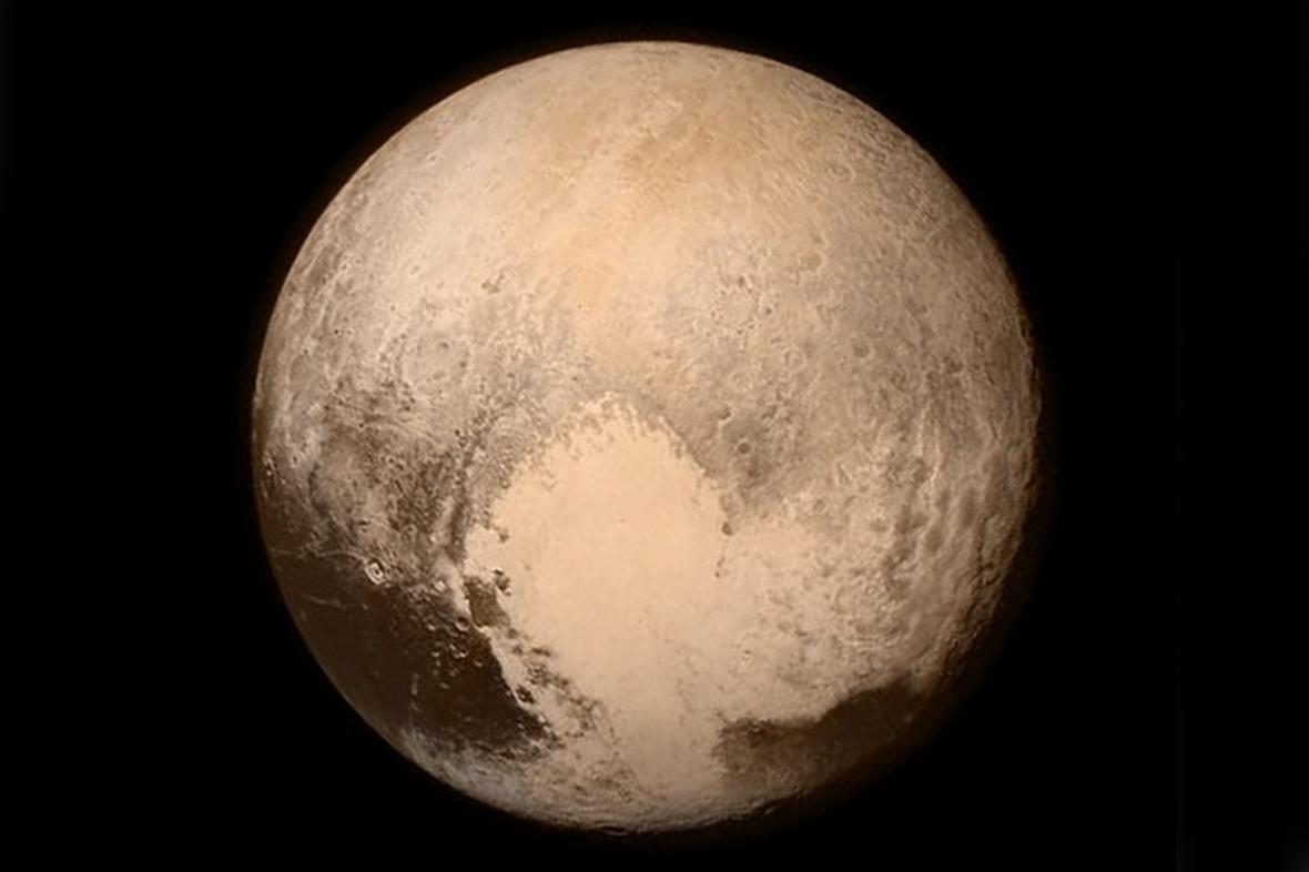 Zatím nejlepší snímek Pluta ze 13. července 2015