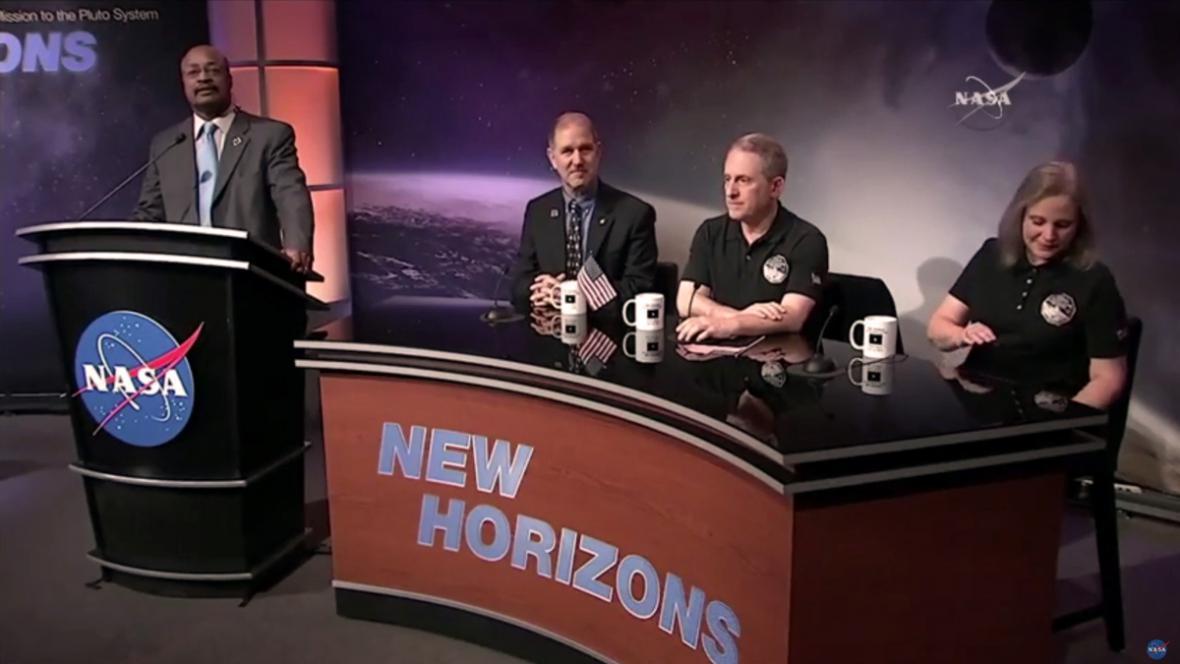 Brífink NASA k průletu sondy kolem Pluta