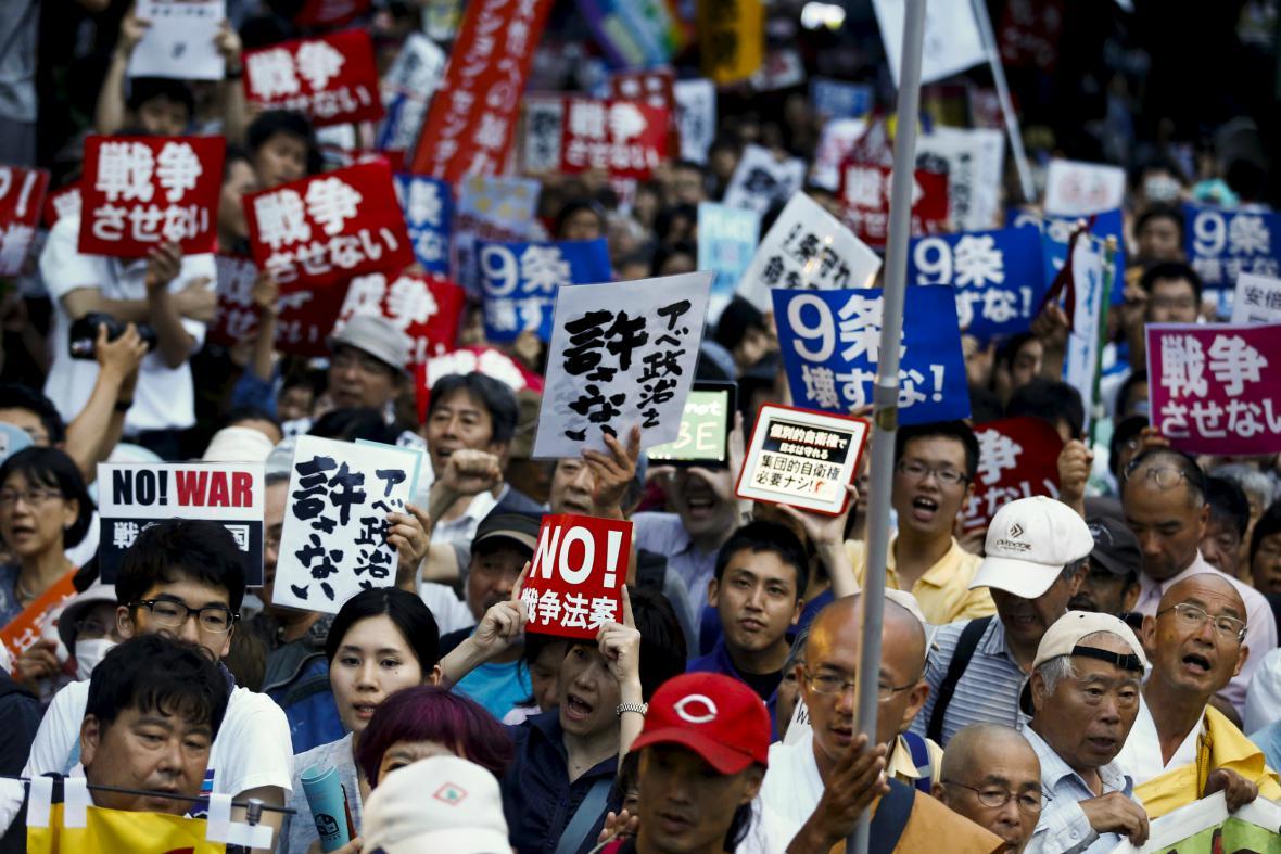 Protesty proti změnám bezpečnostních zákonů