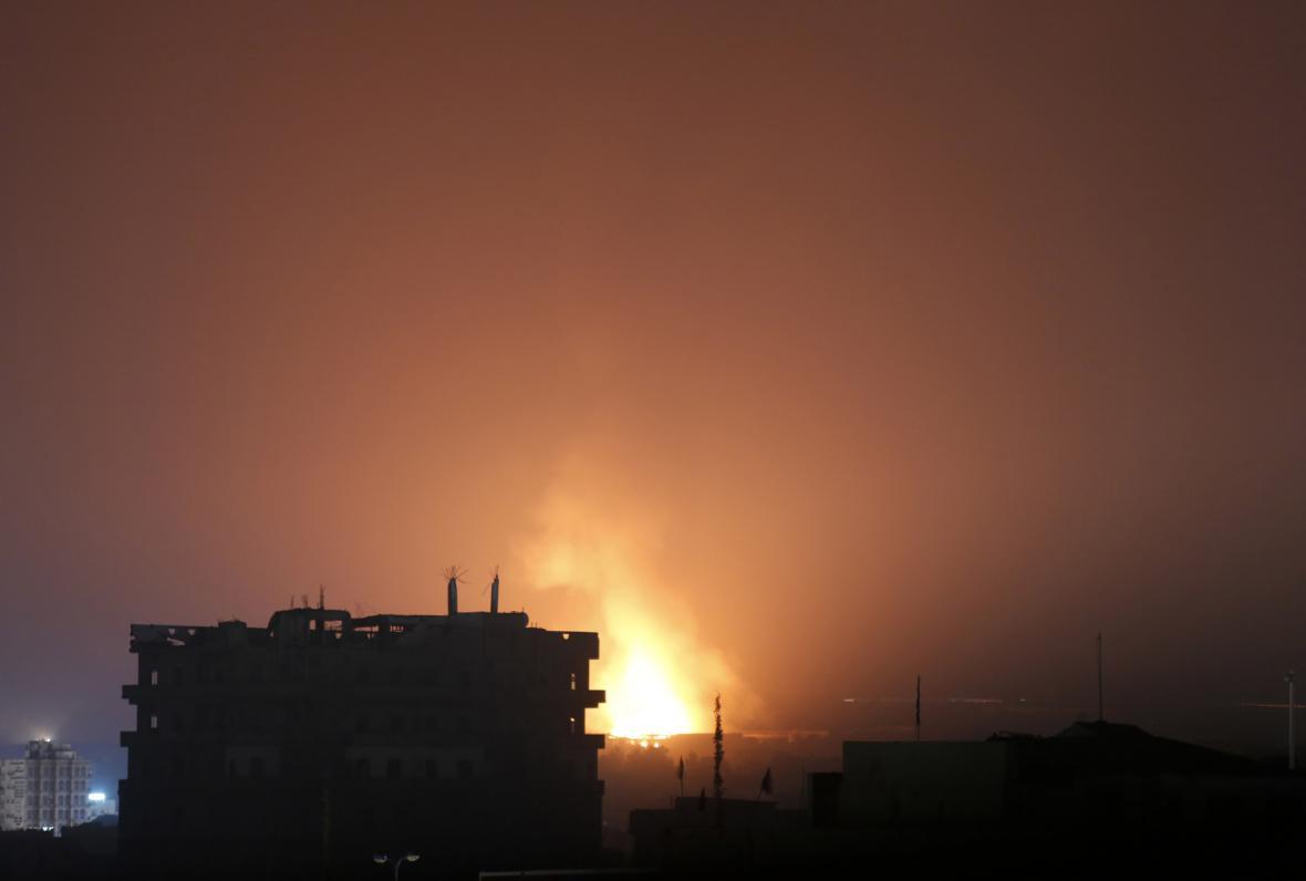 Noční ostřelování Saná