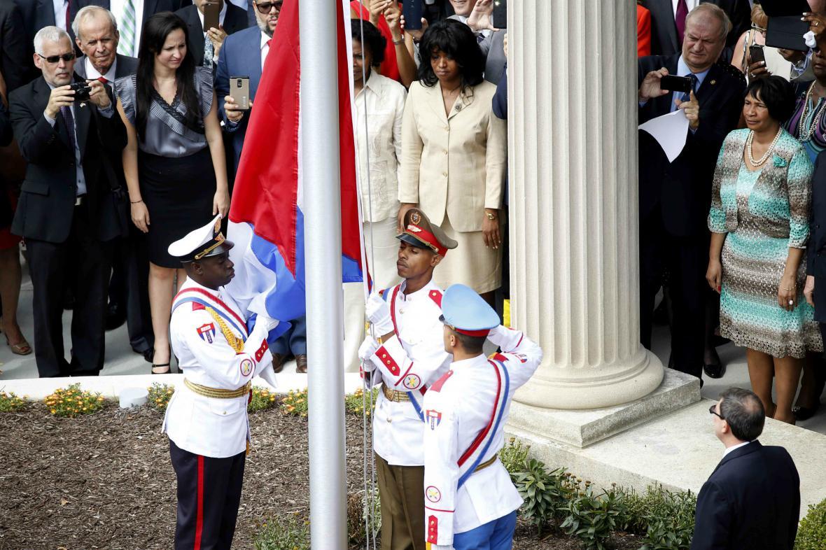 Slavnostní vztyčení kubánské vlajky ve Washingotnu