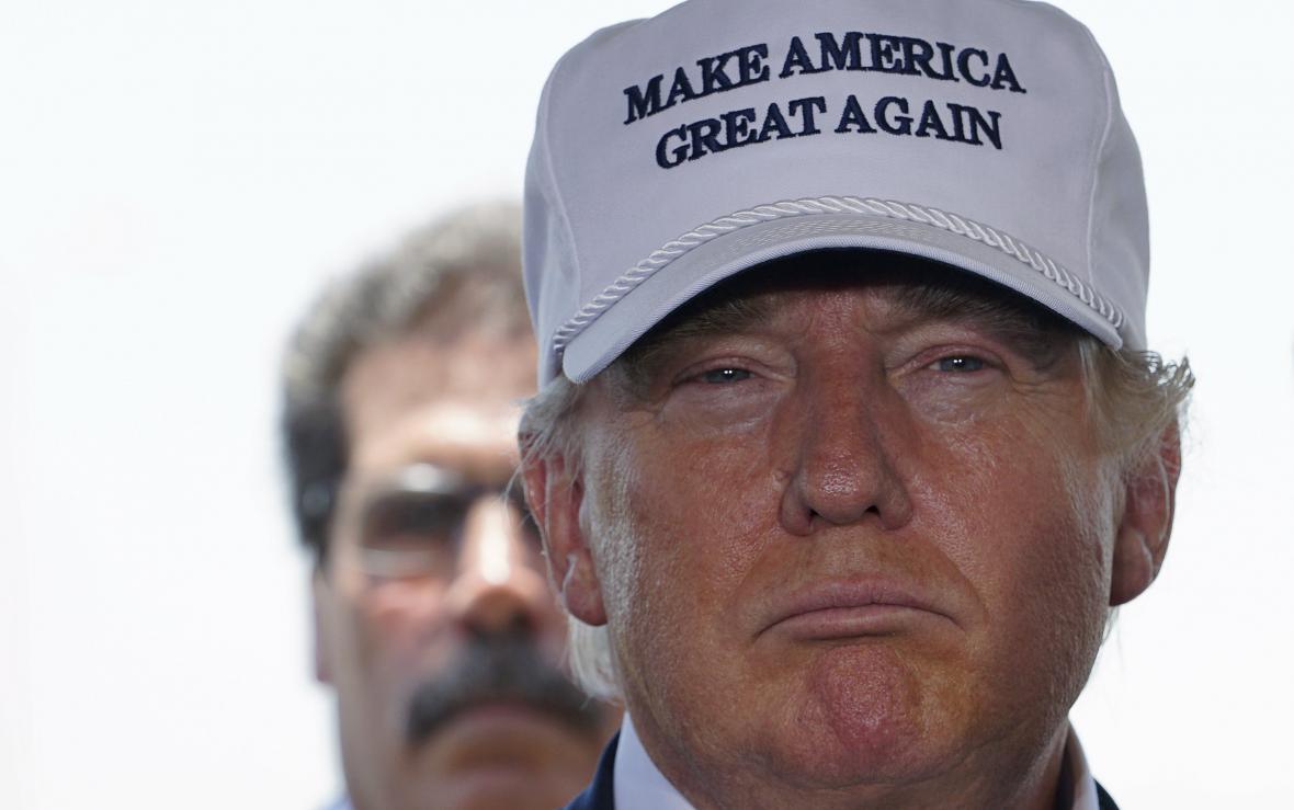 Donald Trump na tiskové konferenci v Texasu