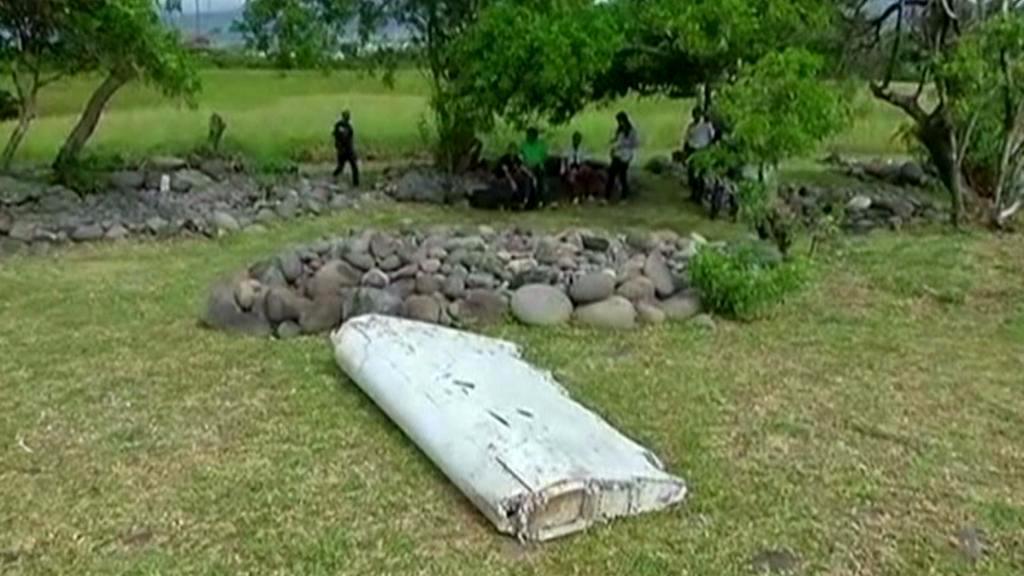 Trosky letadla nalezené na pobřeží Reunionu
