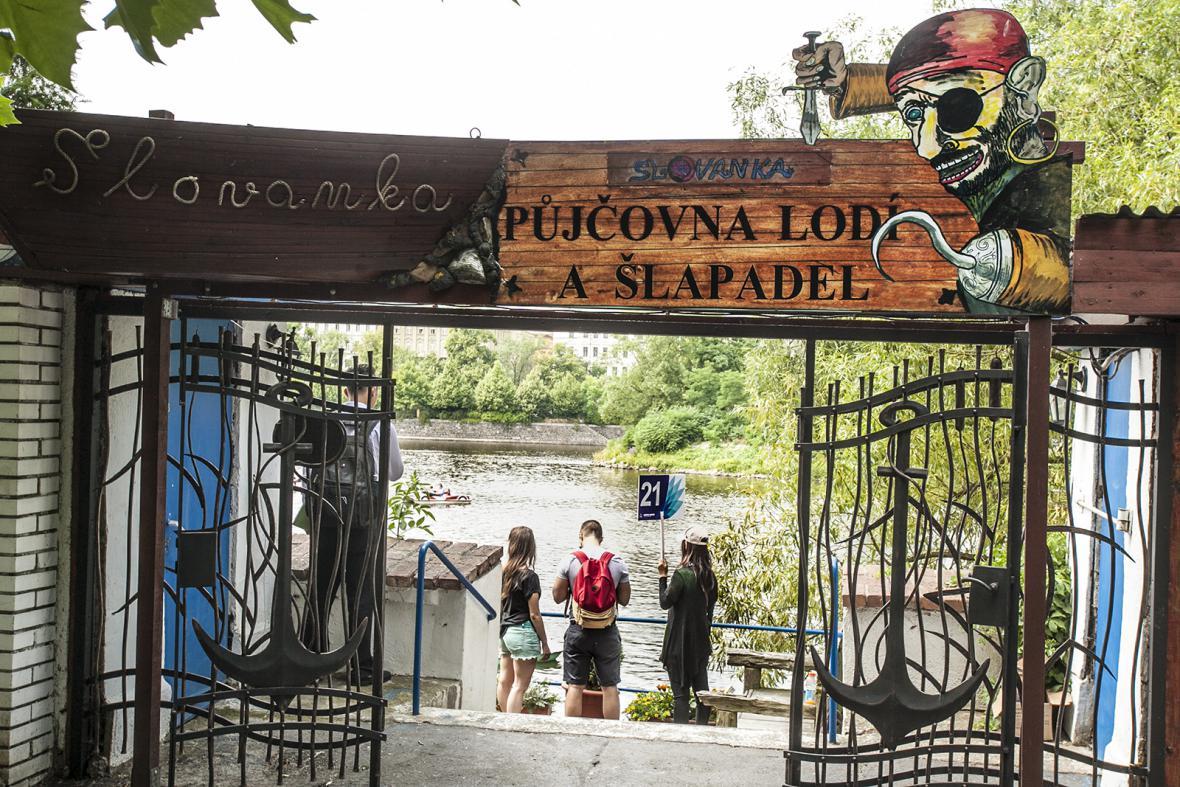 Pražské plovárny kdysi a dnes