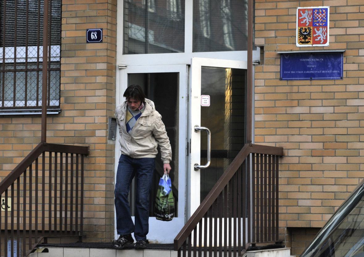 Muž propuštěný z věznice v Opavě