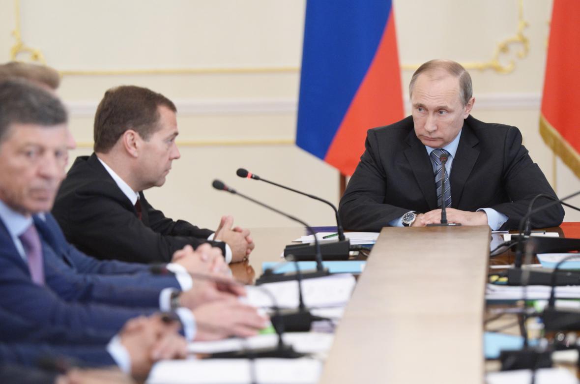 Vladimir Putin na jednání vlády