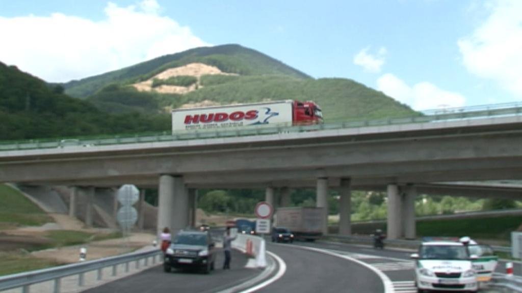 Slovensko otevřelo nový úsek dálnice D1
